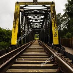 高速铁路运营期结构物变形监测